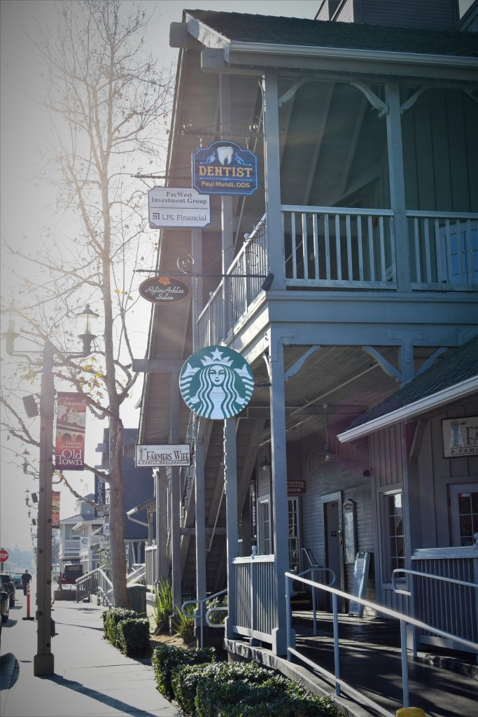 Starbucks in Old Town Temecula